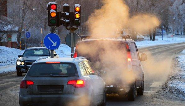 Diesel-Autos stossen doppelt so viel Stickoxid aus wie LKWs
