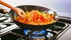 Bei starker Erhitzung geben Pfannen krebserregendes Benzol ab