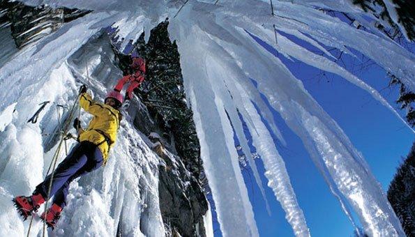 Eisklettern in der Schweiz: Die besten Strecken für jedes Können