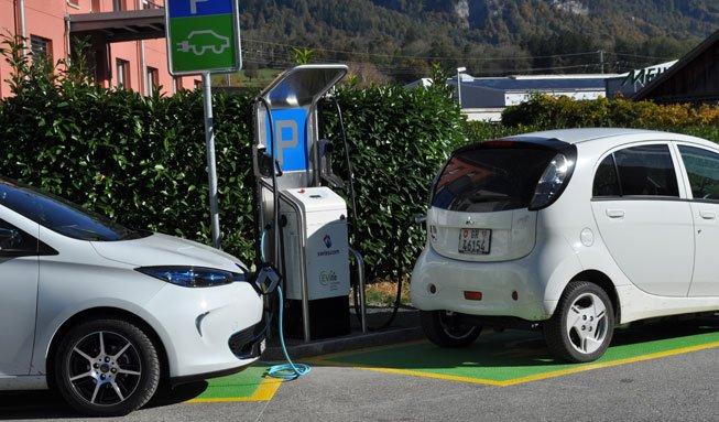 Elektroautos unterwegs aufzutanken wird noch einfacher