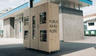 Kleidertausch mal anders: Ein Schrank in der Stadt macht's möglich