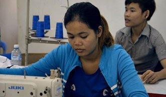 Probearbeit im Sweat-Shop: Junge Mode-Fans erleben Weg ihrer Kleidung