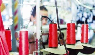 Alle Textilfabriken in Bangladesch in mangelhaftem Zustand