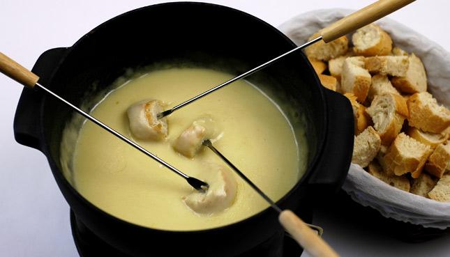 Unsere Redaktorin verrät ihr liebstes Rezept für veganes Käsefondue