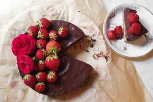 Bald ist Muttertag! Wie wär's mit Lola's veganem Choc Ganache Cake?