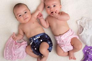 Für Umwelt und Portemonnaie: Babys mit Stoffwindeln wickeln