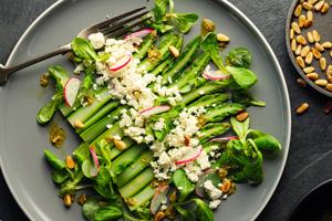 Grüne Spargeln kochen: So werden die Stangen genau richtig