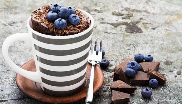 Drei gluschtige Rezepte für schnelle Tassenkuchen