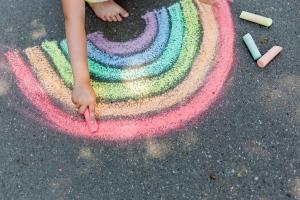 Strassenkunst: Kreide selber machen mit Kindern