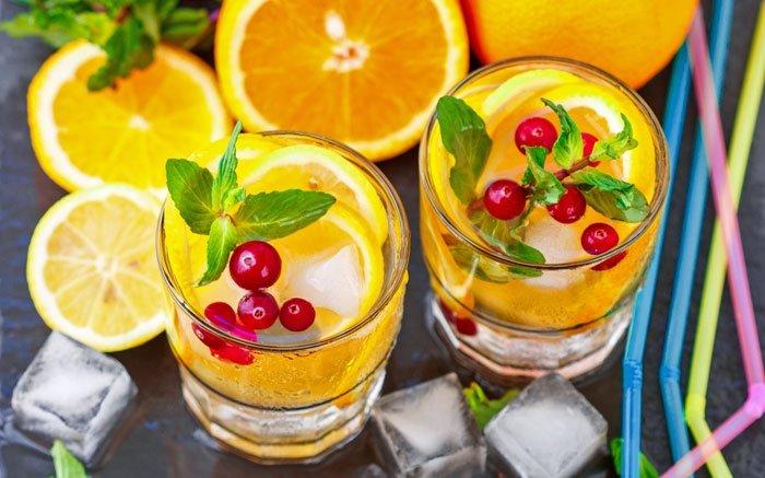 bild 7 limonade aus frischen orangen der klassiker in. Black Bedroom Furniture Sets. Home Design Ideas