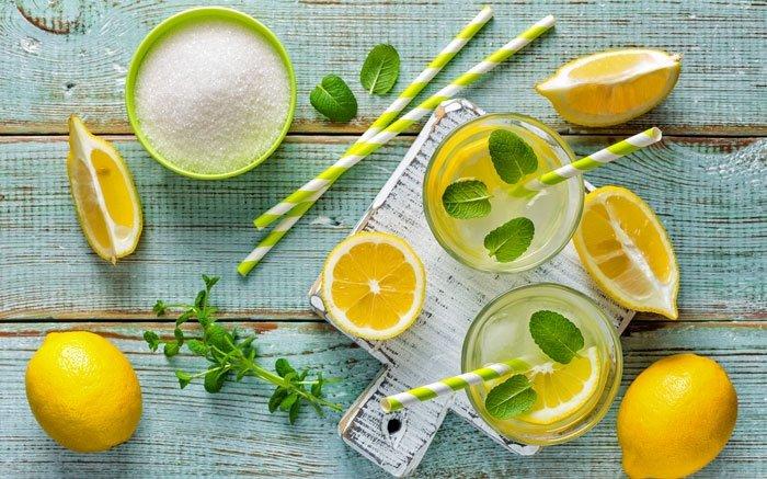 limonade selber machen rezepte mit und ohne zucker. Black Bedroom Furniture Sets. Home Design Ideas