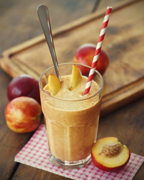 bild 3 frucht smoothie s sse erfrischung mit pfirsich. Black Bedroom Furniture Sets. Home Design Ideas