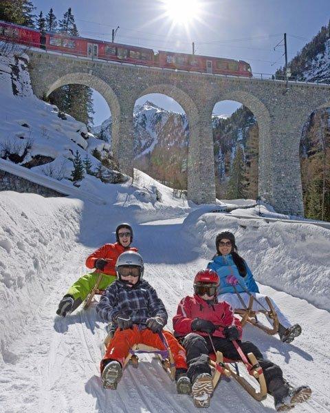Auf Kufen entlang der UNESCO-Welterbestrecke Preda-Bergün