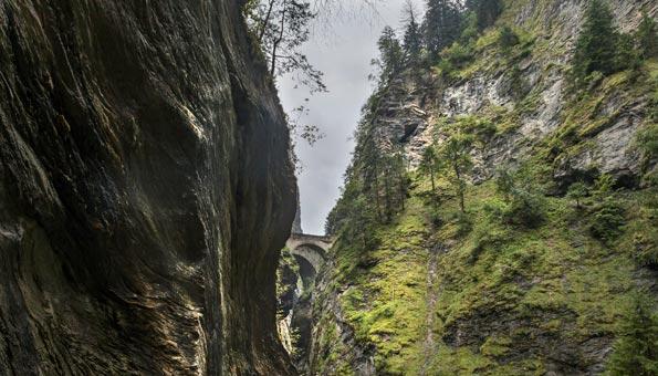Ausflugsziele Graubünden: Die Top 9 Sehenswürdigkeiten: Viamala-Schlucht