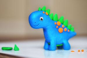 Dinosaurier aus Knetmasse selber machen