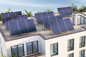 Freistehende Photovoltaik-Anlage auf Flachdach