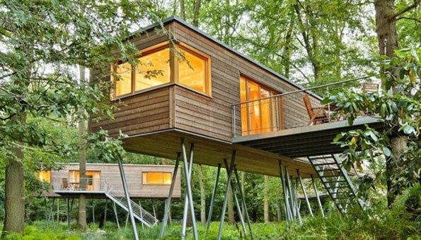 baumhaus der trend zum bernachten und wohnen im gr nen. Black Bedroom Furniture Sets. Home Design Ideas