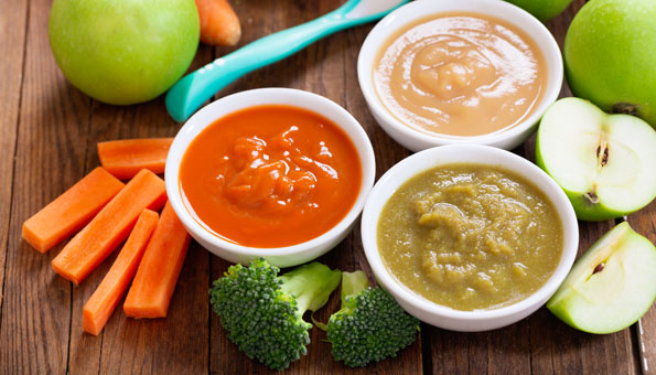 Babybrei mit frischem Gemüse