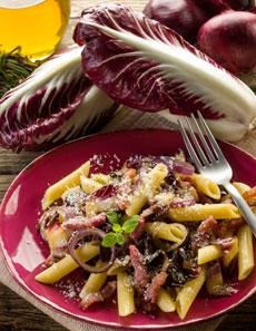 Mit Cicorino Rosso machen Sie feine Pasta