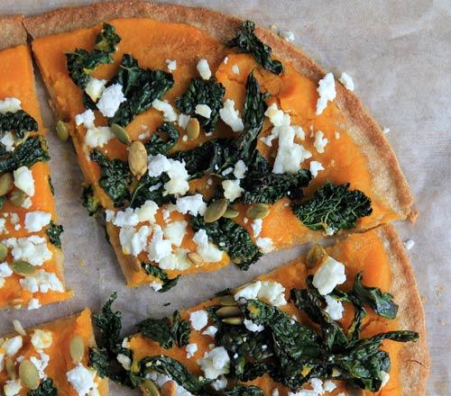 Federkohl Rezept: Federkohl-Pizza mit Kürbis