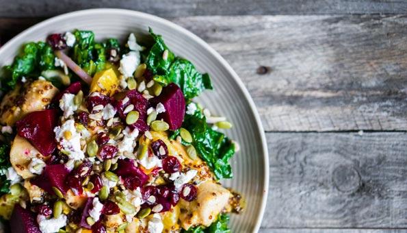 Federkohl-Rezepte: Federkohl-Salat mit Randen und Feta