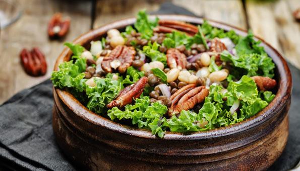 Federkohl-Rezepte: Federkohl-Salat mit Linsen und Bohnen