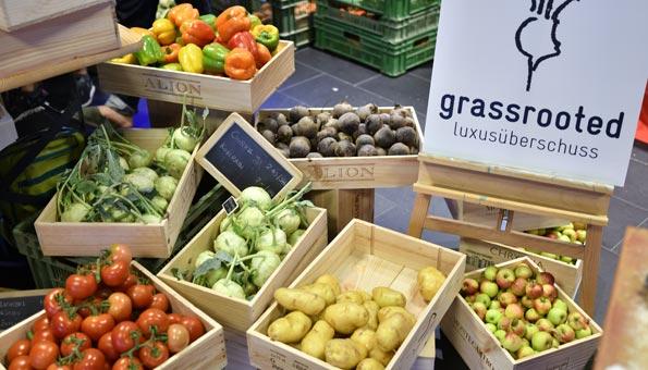 Gegen Food Waste: Marktstand von Grassrooted