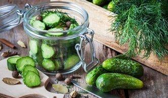 Gurken einfach selbst einlegen: Tipps und pfiffige Rezepte