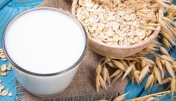 Milchersatz: So gesund und nachhaltig ist Hafermilch