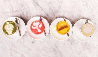 Moon Milk: Was hinter dem neusten Trendgetränk steckt & Rezepte