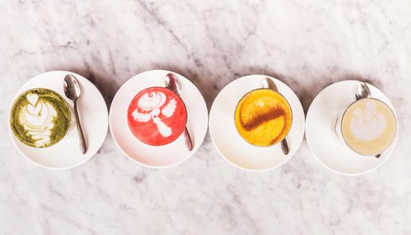 Moon Milk: wie der gesunden Schlummertrunk wirkt & Rezepte