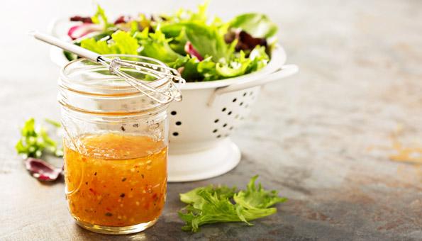 Salatdressing Rezepte: 4 einfache Ideen und Varianten