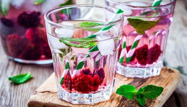 bowle rezepte fruchtige erfrischungen mit und ohne alkohol. Black Bedroom Furniture Sets. Home Design Ideas