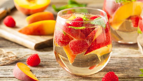 Bowle-Rezepte: Fruchtige Erfrischungen mit und ohne Alkohol