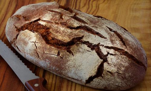 Brot selber backen ohne Hefe: Sauerteigbrot
