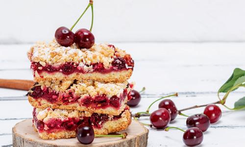 Vegane Desserts: Apfelkuchen mit Kirschen
