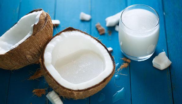 Kokosmilch: So gesund ist der Milchersatz wirklich plus Rezept