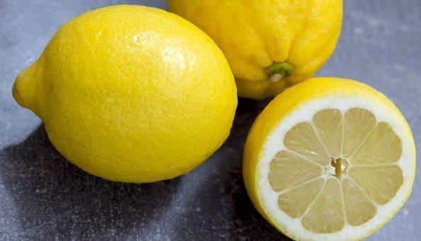 Zitronensaftkur: Macht Zitronendiät wirklich schlank und gesund?