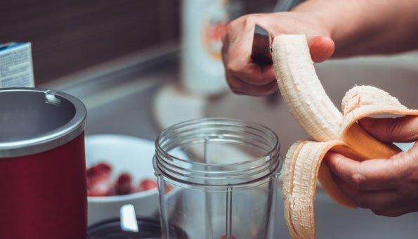 Endlich Erdbeerzeit: 4 Smoothie-Rezepte mit den Vitaminbomben
