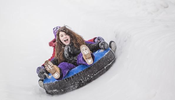 Ausflugsziele Schweiz Winter: Ein Winterausflug in den Tobogganing Park zum Snowtubing