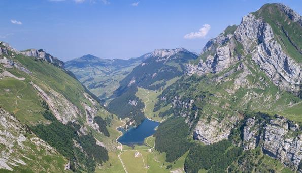 Badeseen Schweiz: Der Seealpsee gehört zu den schönsten der Schweiz