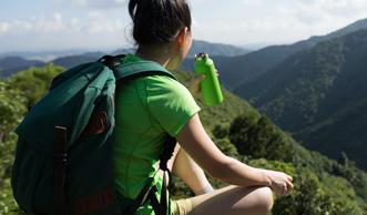 10 umweltfreundliche Trinkflaschen für unterwegs