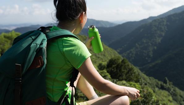 10 umweltfreundlichen Trinkflaschen für unterwegs