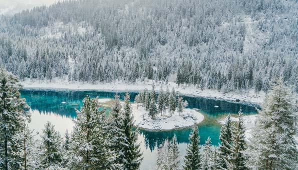 Winterwandern Schweiz: Am Caumasee wandern