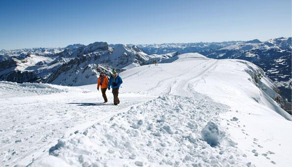 Winterwandern Schweiz: Panoramawanderung Rosenboden Chäserrugg