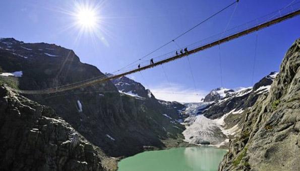 Die 8 spektakulärsten Hängebrücken der Schweiz