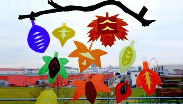 Herbstbasteln mit kindern fensterbilder und nat rliche mobile - Fensterbilder grundschule ...