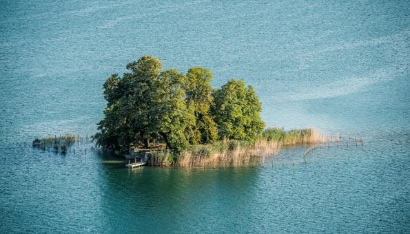 Insel Schönenwerd im Zürichsee bei Richterswil