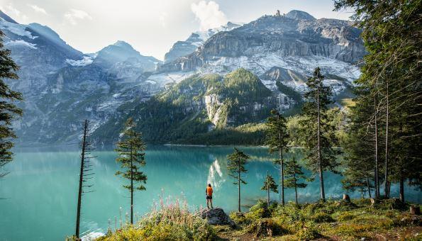 Wandern zum Oeschinensee: Das sind die 3 schönsten Wanderungen