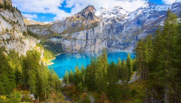 Oeschinensee-Wanderung in atemberaubender Höhe